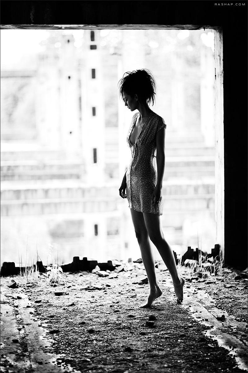 Charming black & white pictures by a photographer Ilya Rashap - 13
