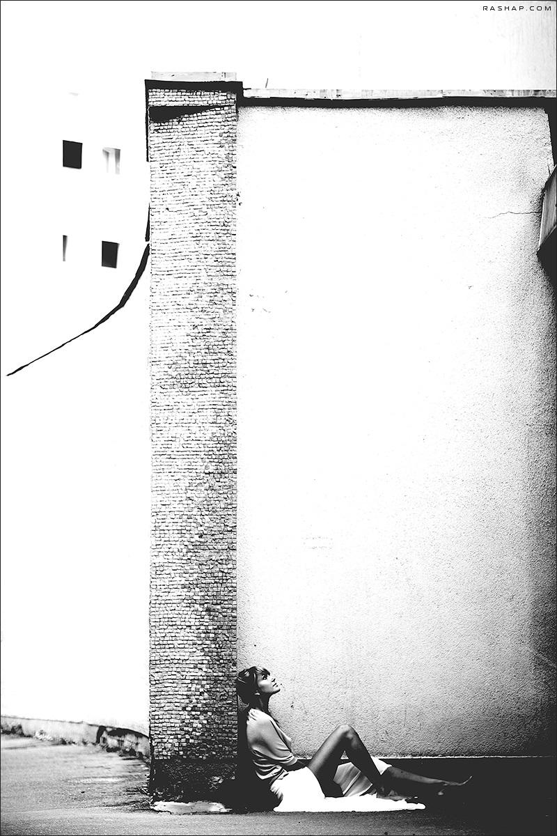 Charming black & white pictures by a photographer Ilya Rashap - 15