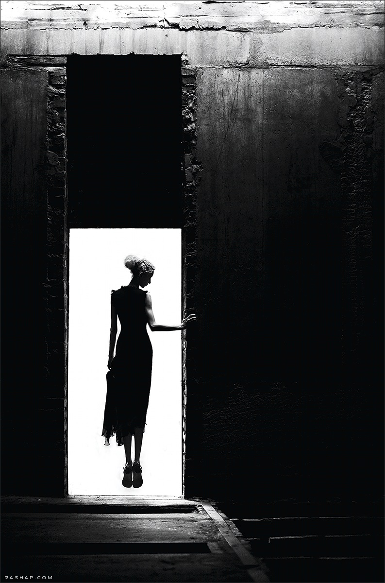 Charming black & white pictures by a photographer Ilya Rashap - 02