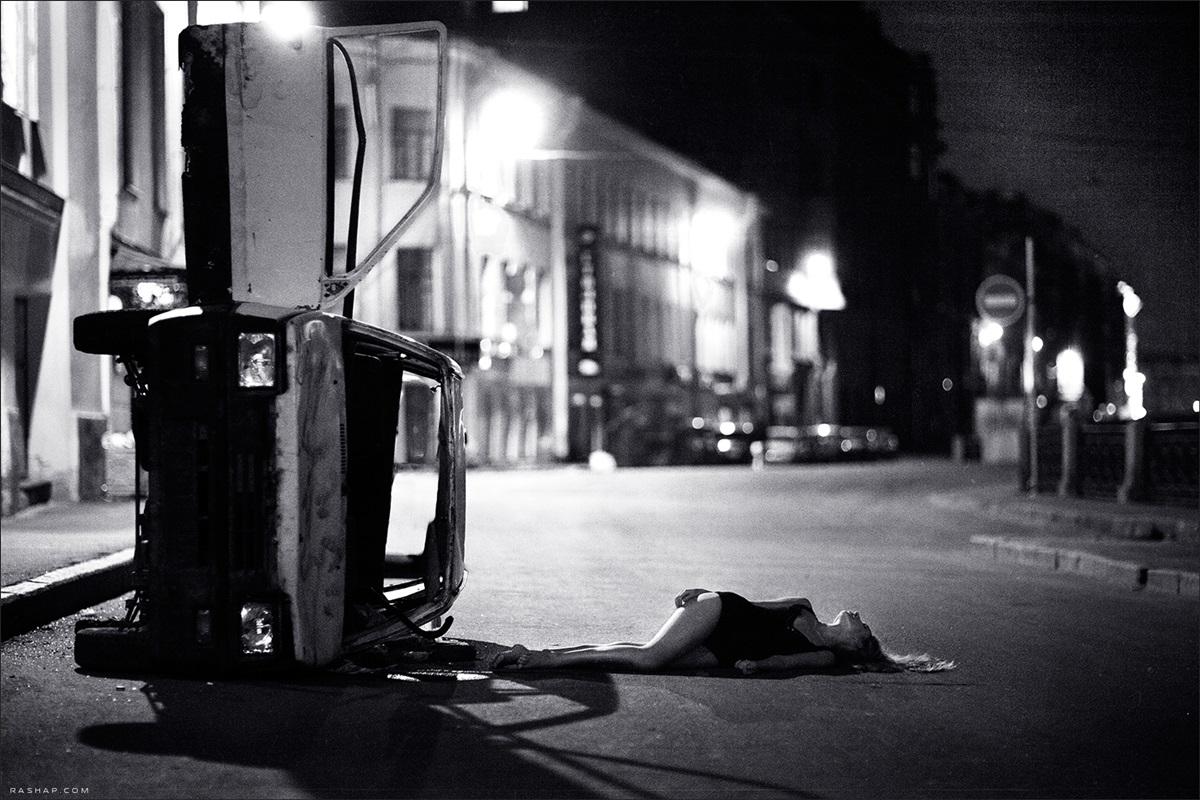 Charming black & white pictures by a photographer Ilya Rashap - 23