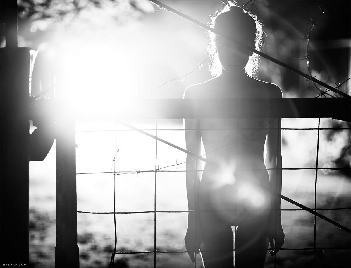 Charming black & white pictures by a photographer Ilya Rashap - 27