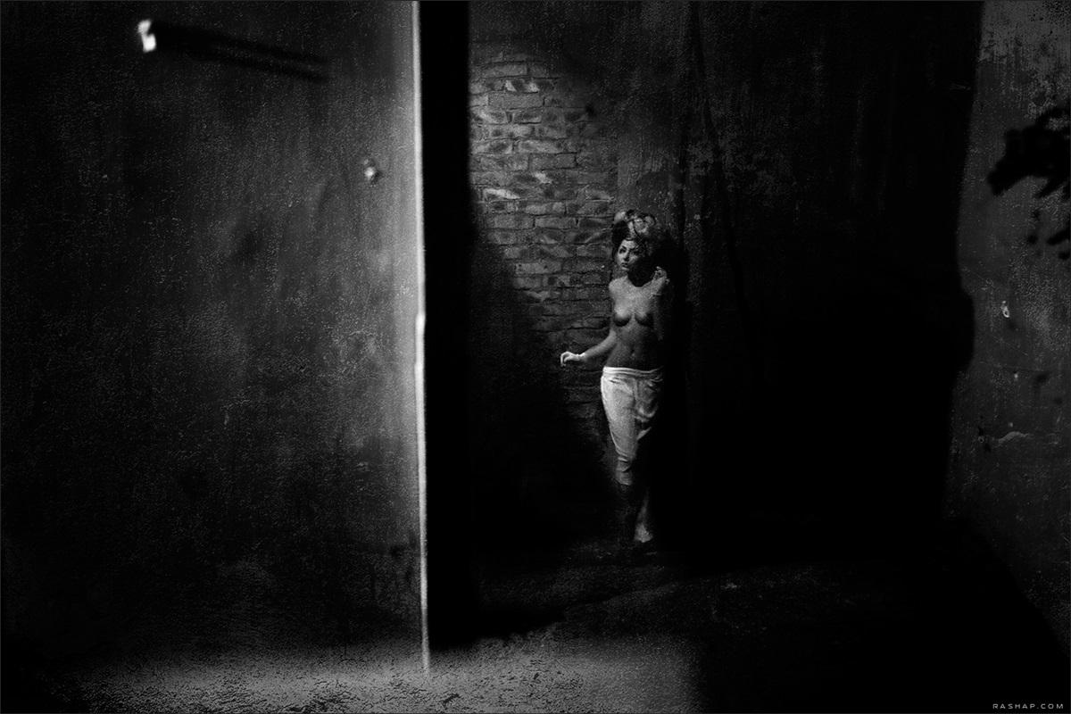 Charming black & white pictures by a photographer Ilya Rashap - 30