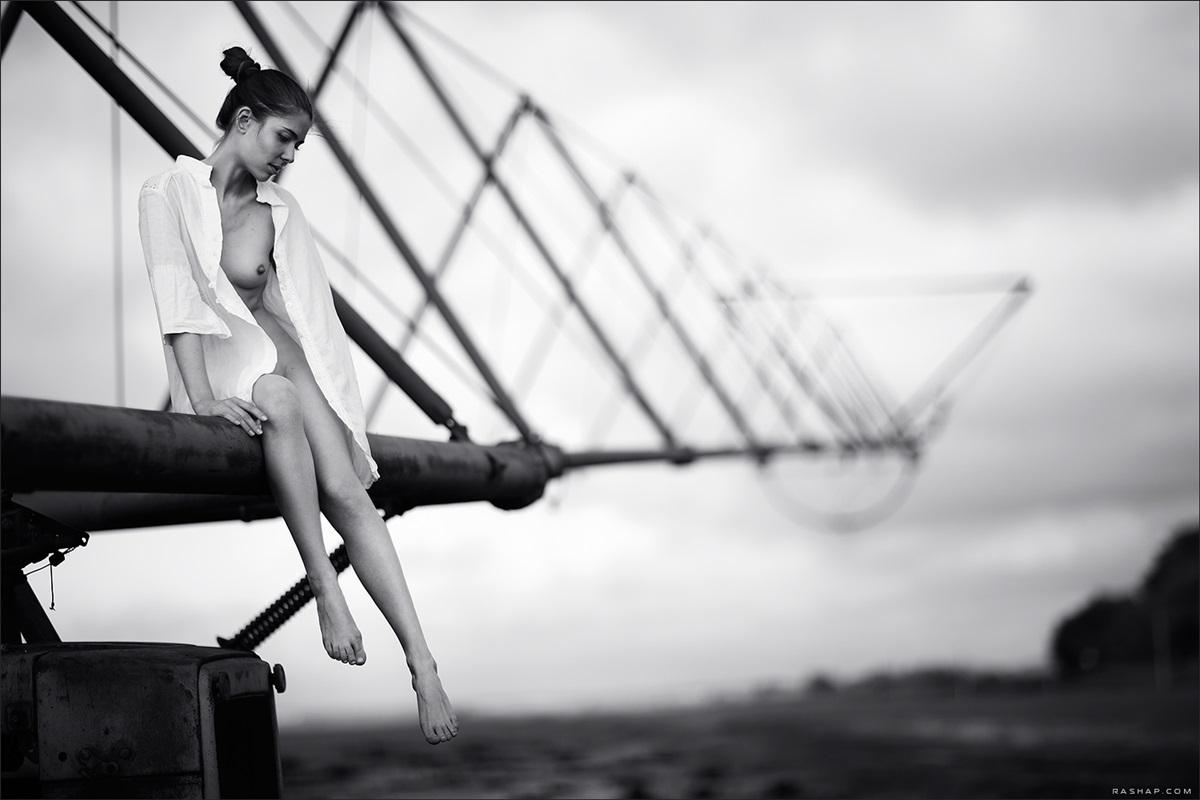 Charming black & white pictures by a photographer Ilya Rashap - 33
