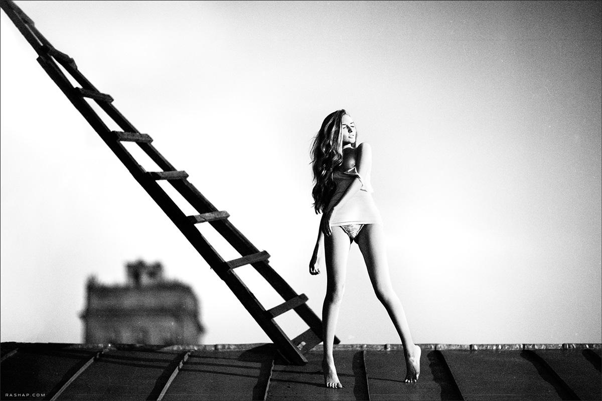 Charming black & white pictures by a photographer Ilya Rashap - 04