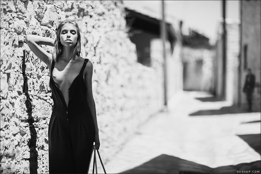 Charming black & white pictures by a photographer Ilya Rashap - 44