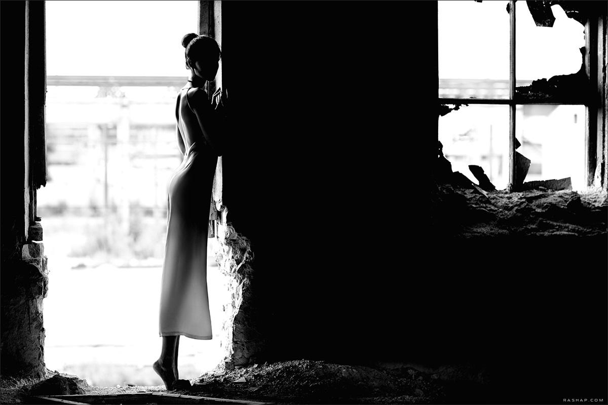 Charming black & white pictures by a photographer Ilya Rashap - 06