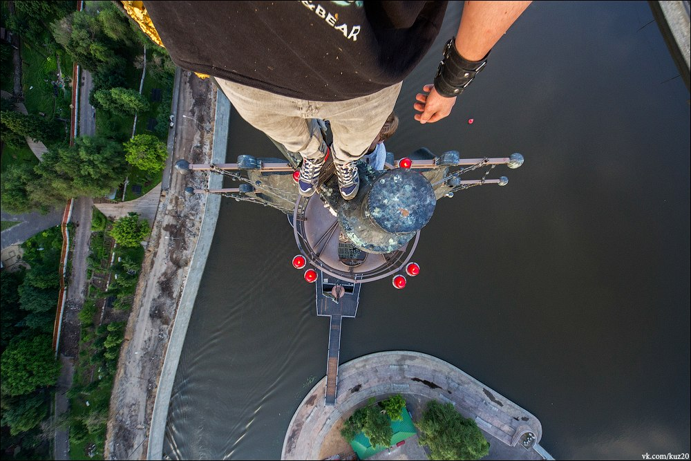Extreme height: Crazy cityscapes by a thrill-seeker Ivan Kuznetsov - 38
