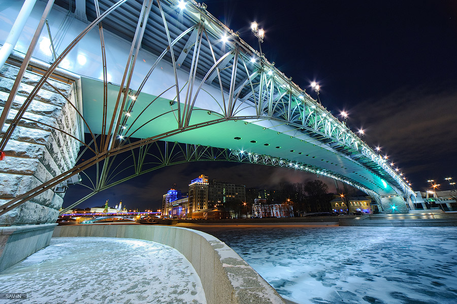 Night Moscow: Brilliant lights of the winter capital city of Russia - 41