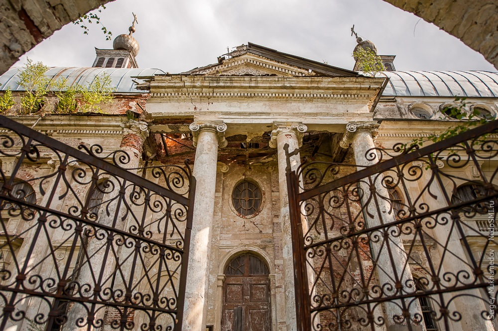 Unhappy temple: Ruins of Our Lady of Kazan Orthodox Cathedral - 09