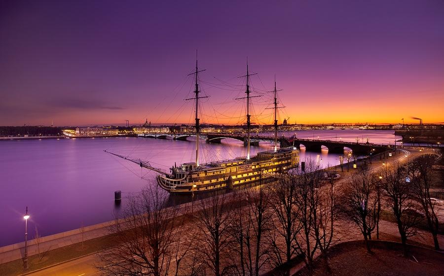 Night Saint Petersburg: Amazing photos of the city by Sergey Louks - 16