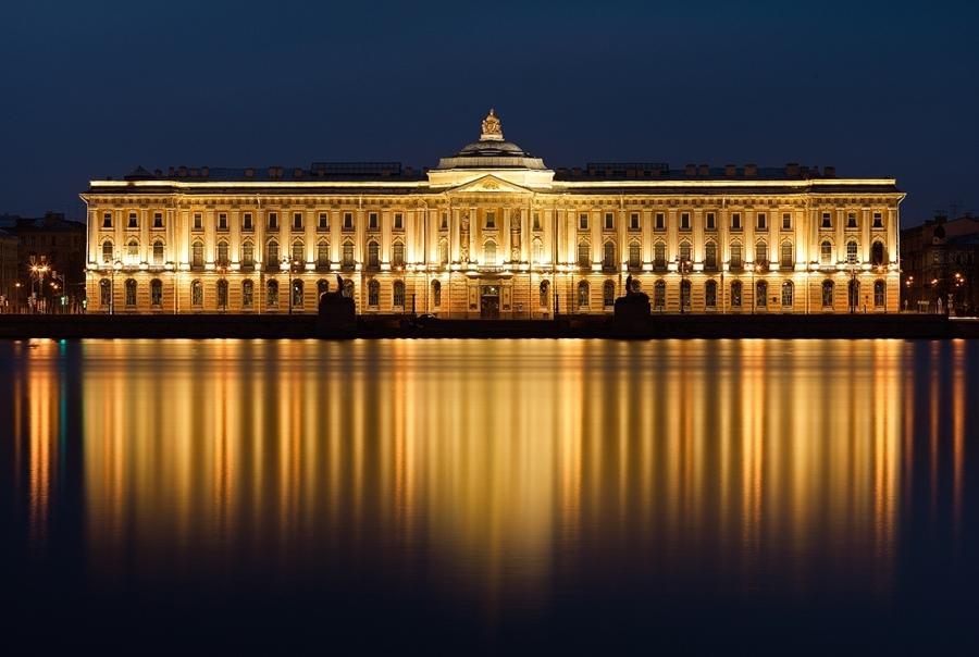 Night Saint Petersburg: Amazing photos of the city by Sergey Louks - 23