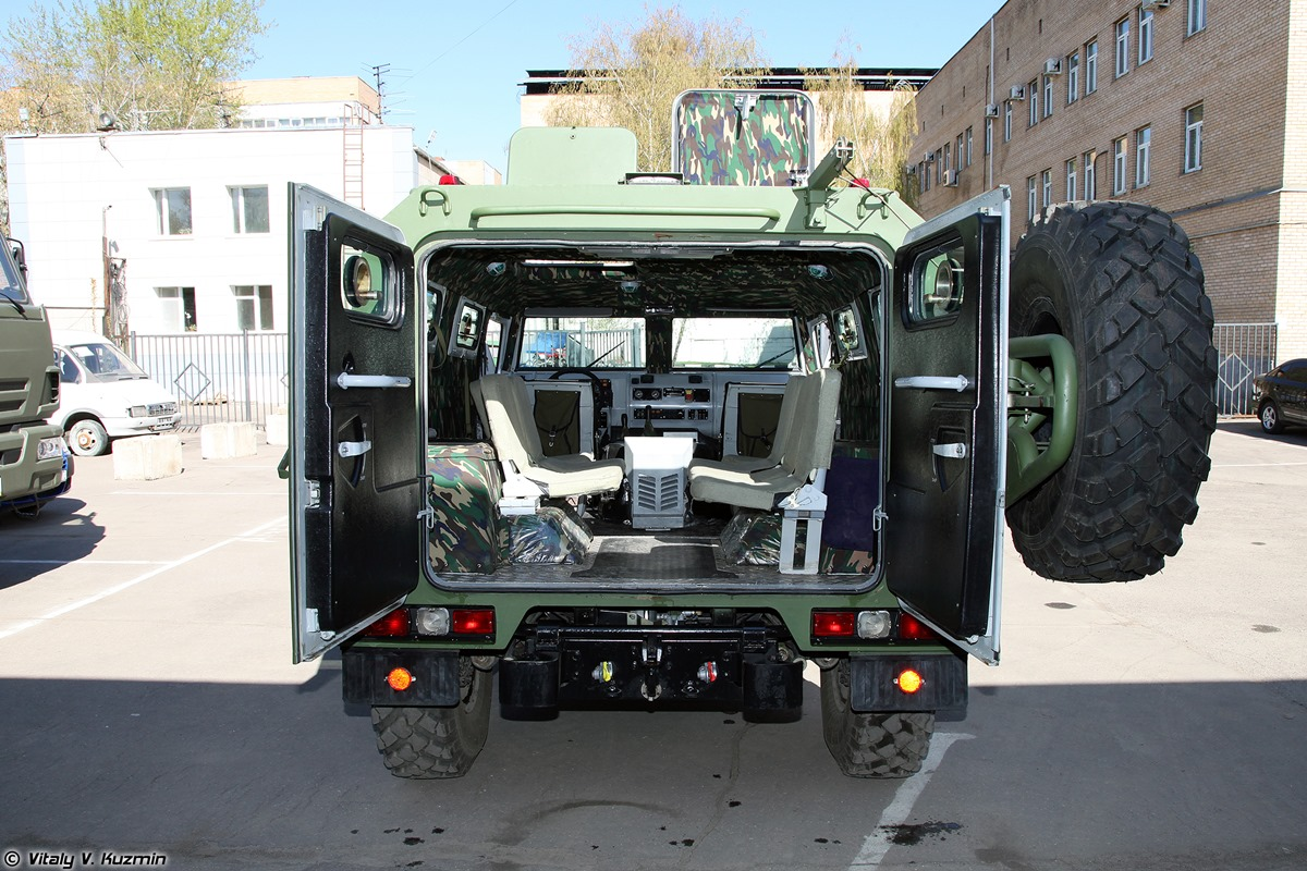 Walkaround of special Russian armored vehicle SBM VPK-233136 - 11