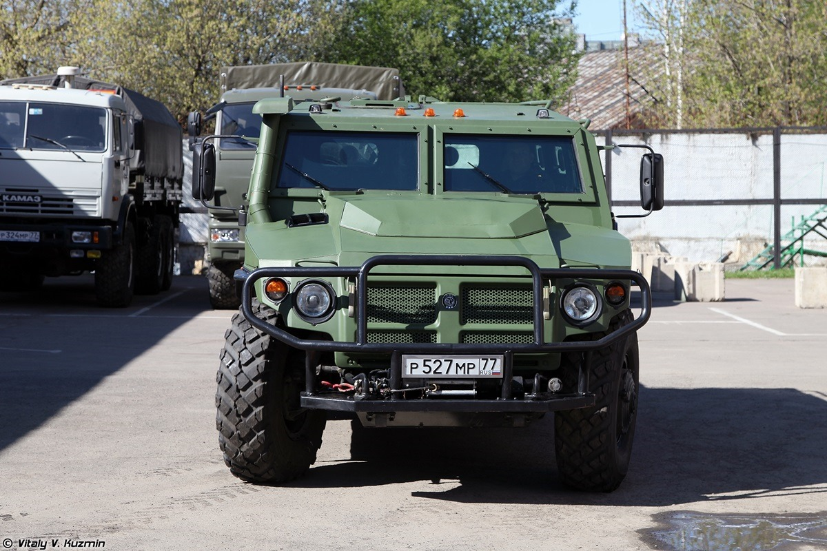 Walkaround of special Russian armored vehicle SBM VPK-233136 - 02