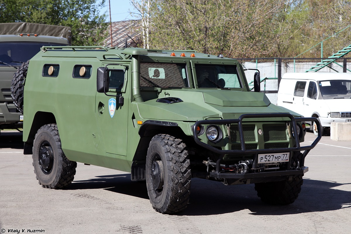 Walkaround of special Russian armored vehicle SBM VPK-233136 - 03