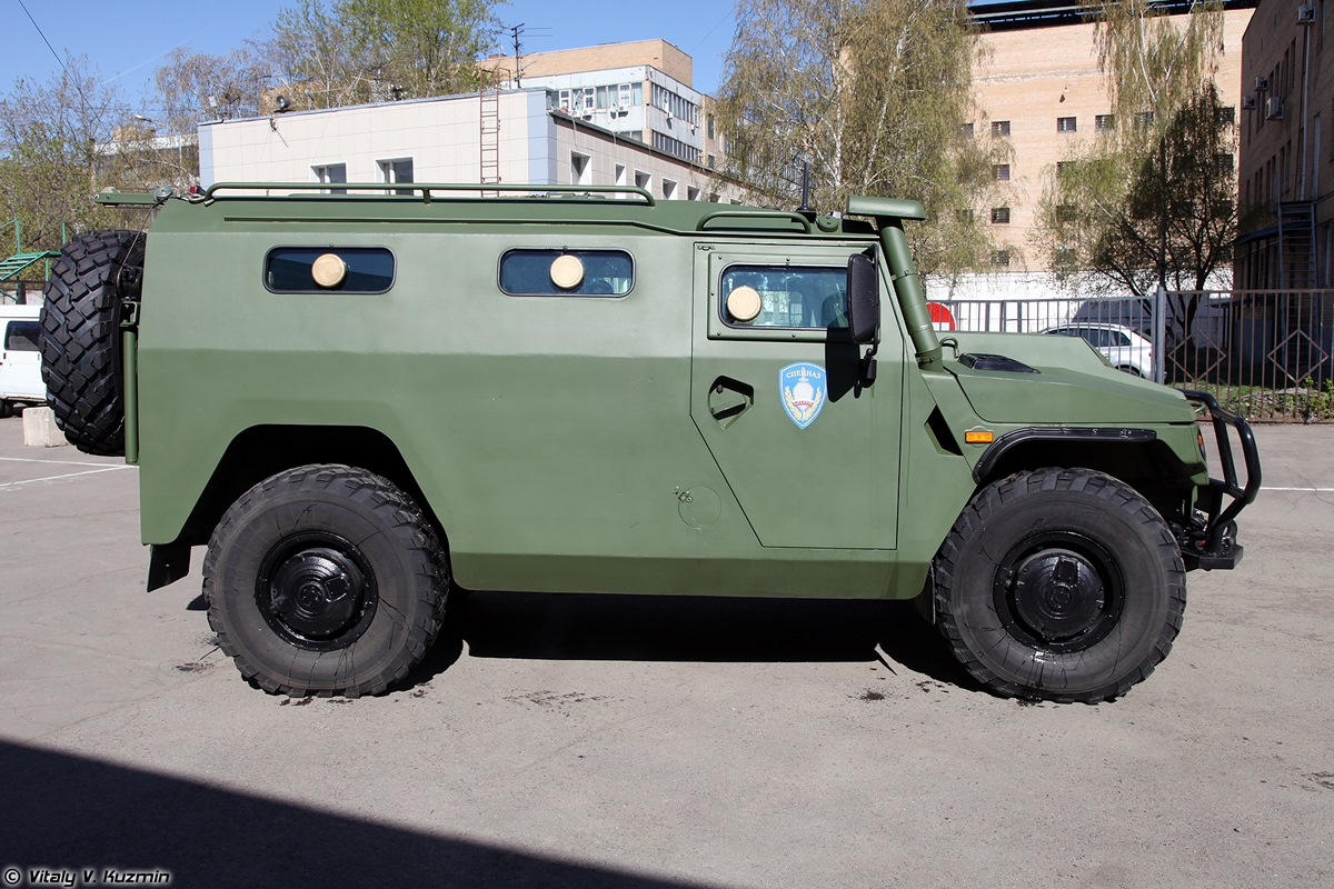 Walkaround of special Russian armored vehicle SBM VPK-233136 - 04