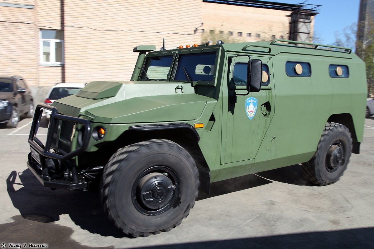 Walkaround of special Russian armored vehicle SBM VPK-233136 - 06