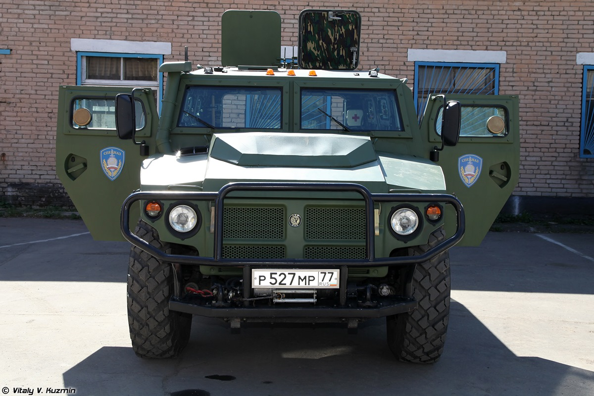 Walkaround of special Russian armored vehicle SBM VPK-233136 - 07