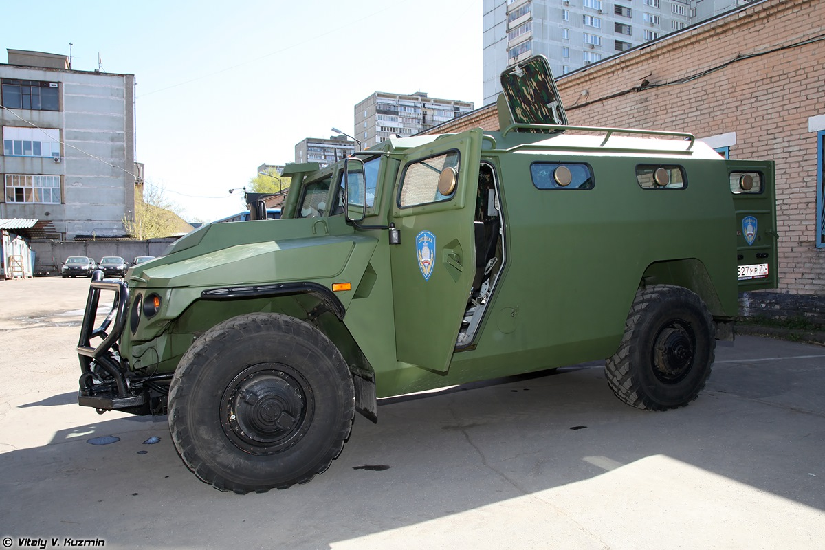 Walkaround of special Russian armored vehicle SBM VPK-233136 - 09