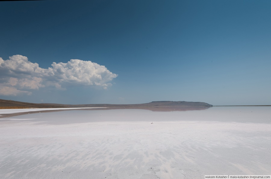 White silence: Walking on a shore of Koyashskoe lake in Crimea - 02