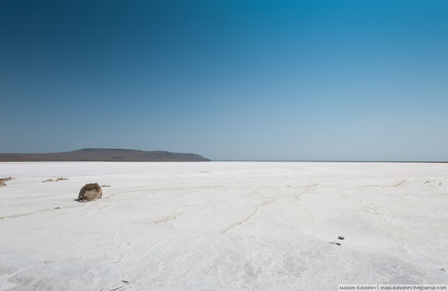 White silence: Walking on a shore of Koyashskoe lake in Crimea - 05