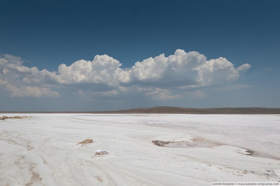 White silence: Walking on a shore of Koyashskoe lake in Crimea - 06