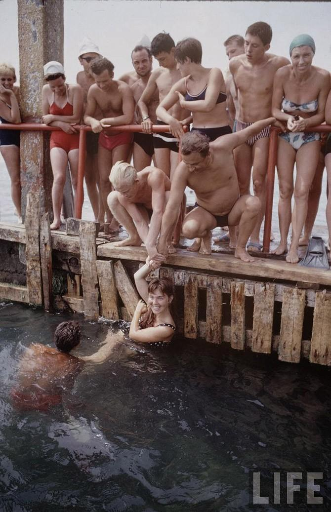 Soviet Youth: Photos of Soviet people from 1960s by Bill Eppridge - 04