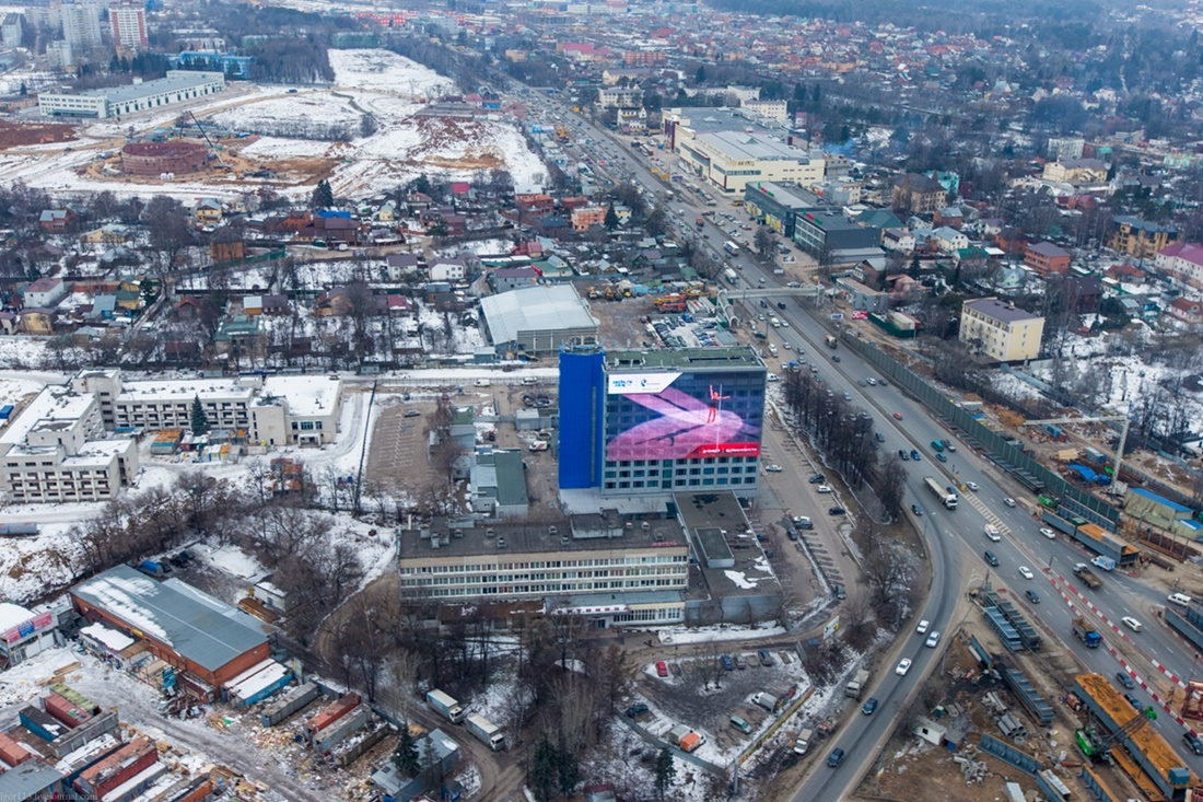 Flying around a suburban area of Moscow - 09