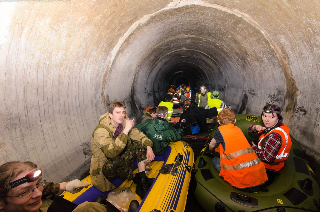 Russian rafting style: How guys have fun under the ground - 22