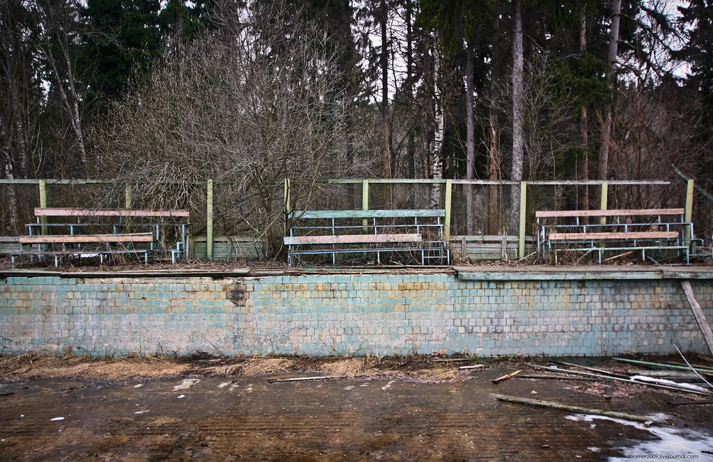 Ennui and nostalgia: Abandoned pioneer camp in Moscow Region - 21