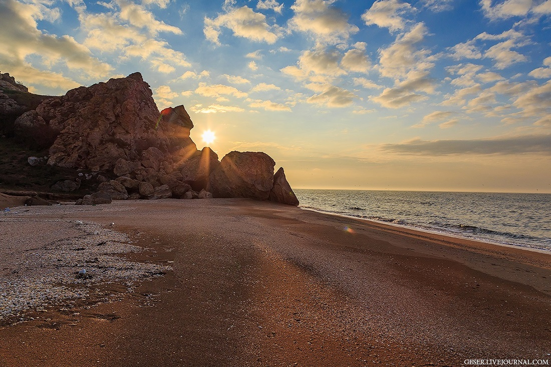 Generals beaches: Wonderful wild beaches and bays of Crimea - 01
