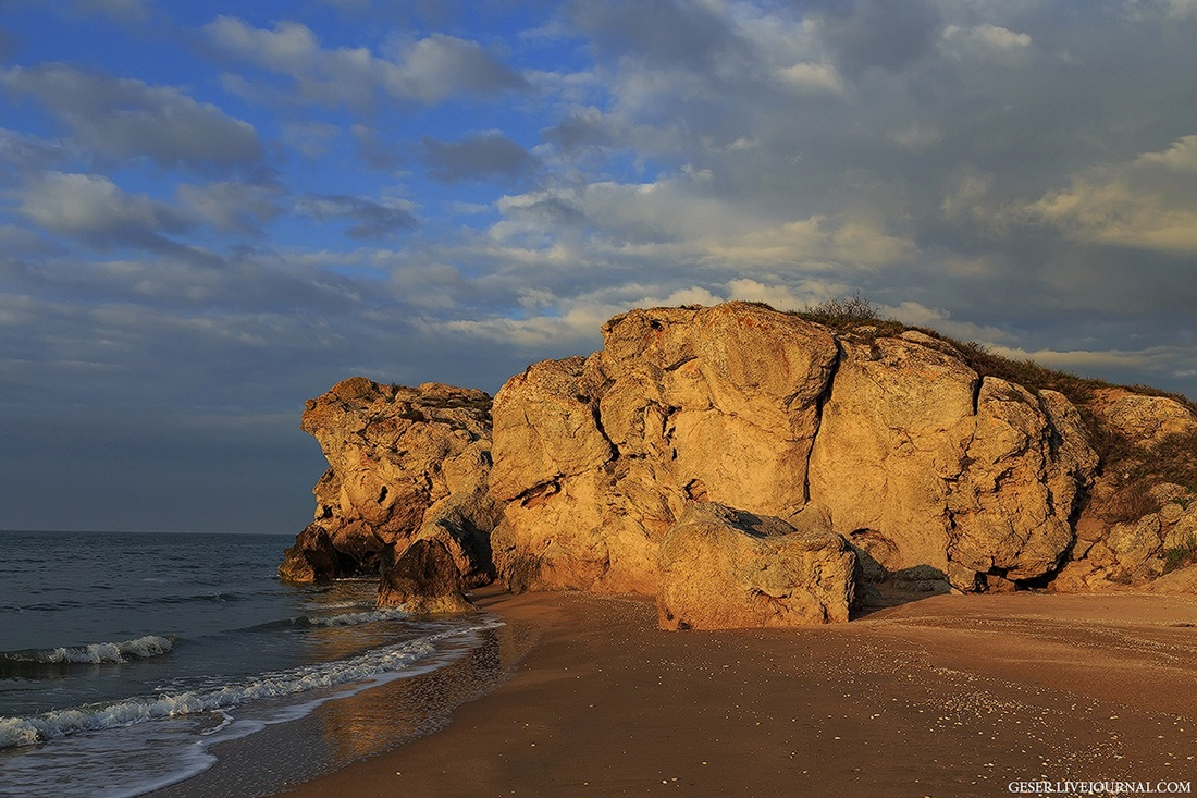 Generals beaches: Wonderful wild beaches and bays of Crimea - 02