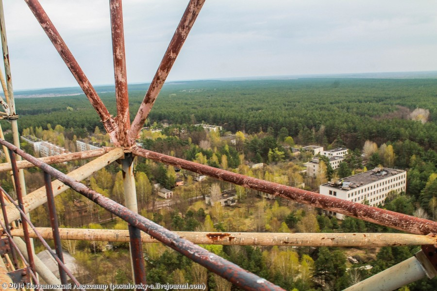 Climbing on Soviet over-the-horizon radar system Duga in Chernobyl - 10