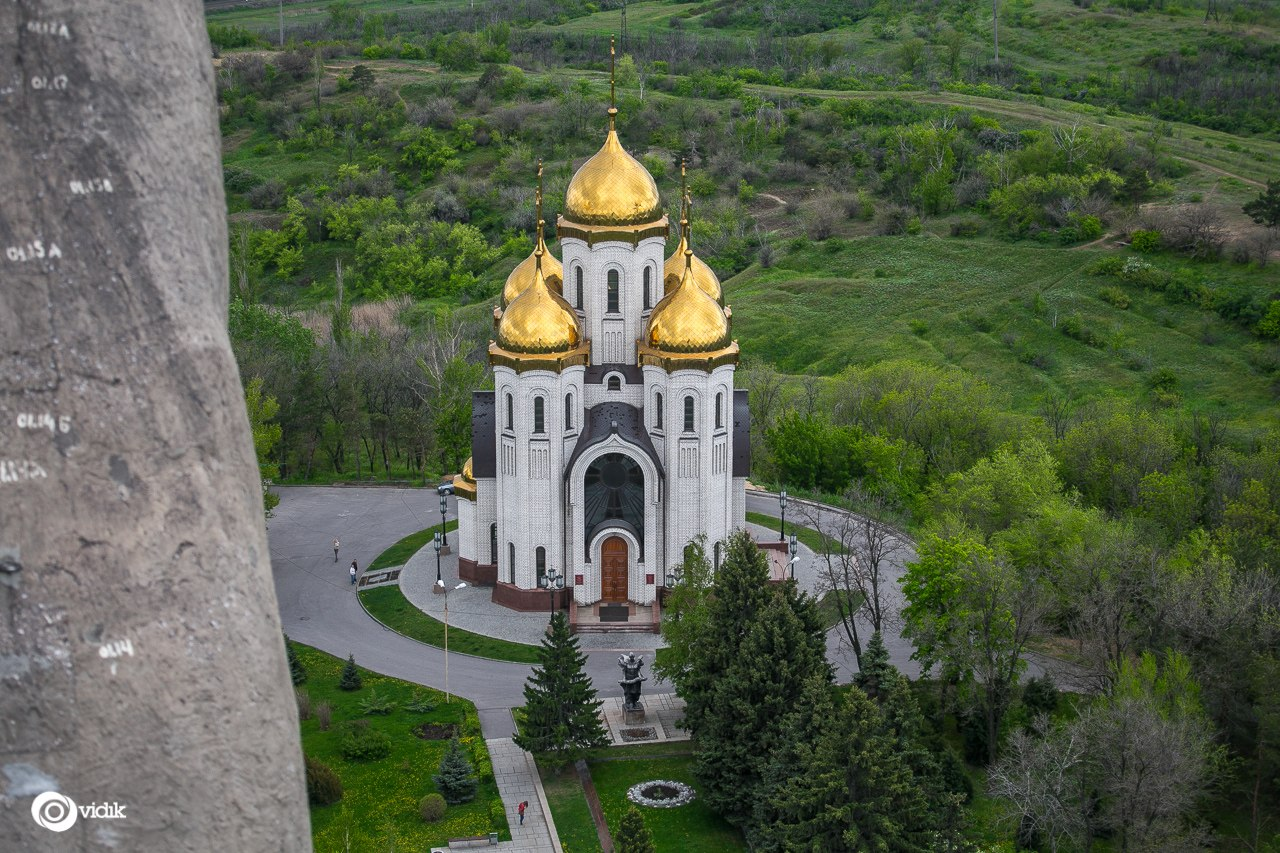 Climbing on top of the Motherland Calls Monument in Volgograd - 29