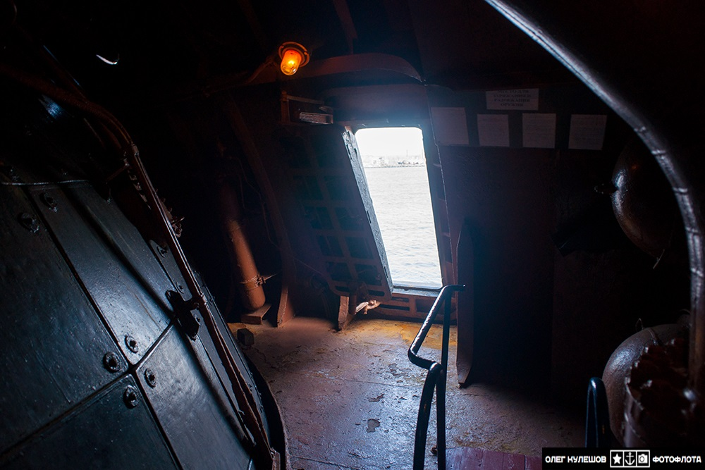 Inside a giant: Russian typhoon-class submarine TK-17 Arkhangelsk - 07