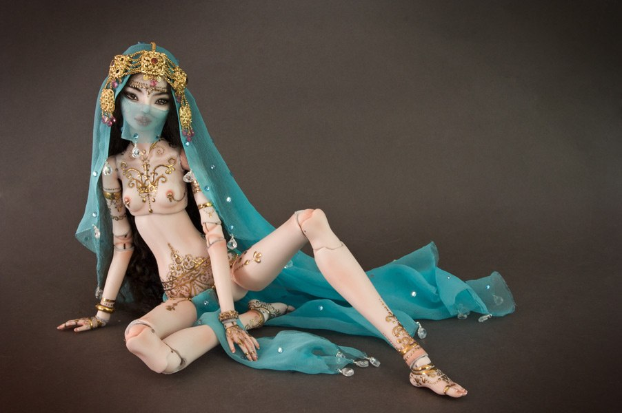It is not the world of smiles: Enchanted Dolls by Marina Bychkova - 03