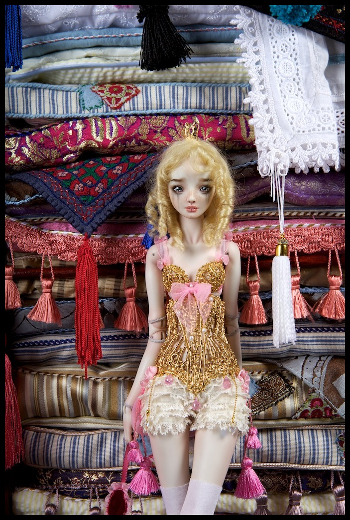 It is not the world of smiles: Enchanted Dolls by Marina Bychkova - 33