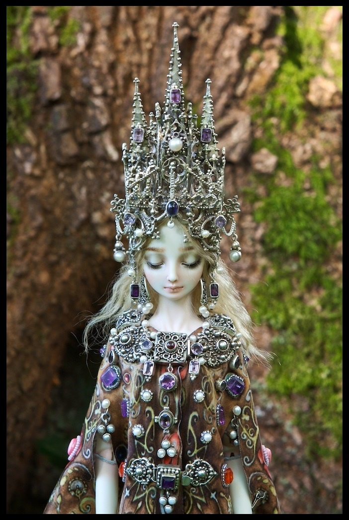 It is not the world of smiles: Enchanted Dolls by Marina Bychkova - 09