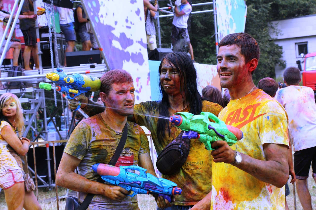Bright summer: The festival of colours Holi in the capital of Ukraine - 26