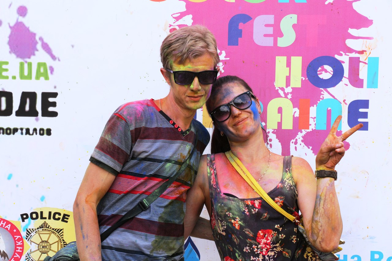 Bright summer: The festival of colours Holi in the capital of Ukraine - 27