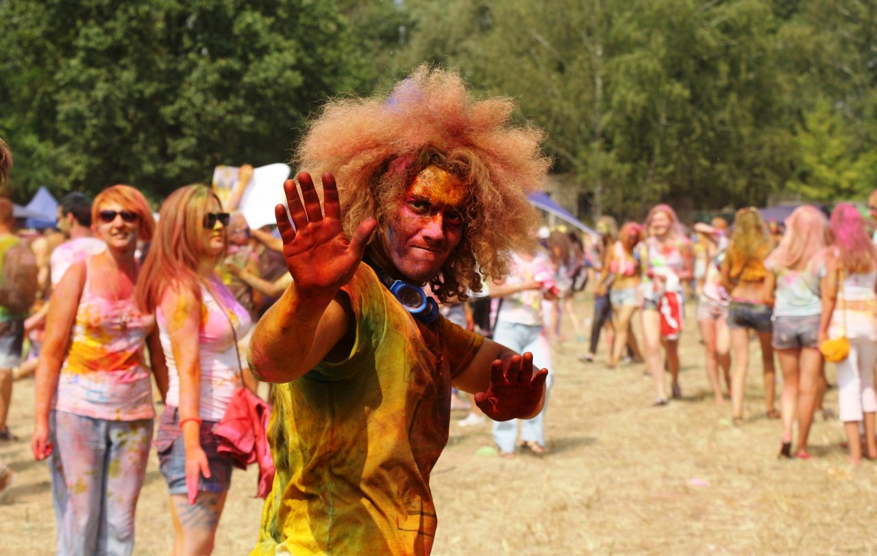 Bright summer: The festival of colours Holi in the capital of Ukraine - 33