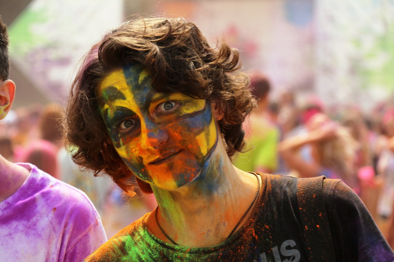 Bright summer: The festival of colours Holi in the capital of Ukraine - 44