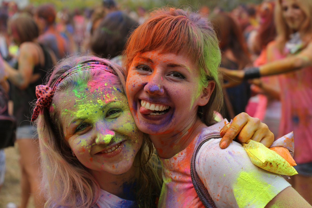 Bright summer: The festival of colours Holi in the capital of Ukraine - 56