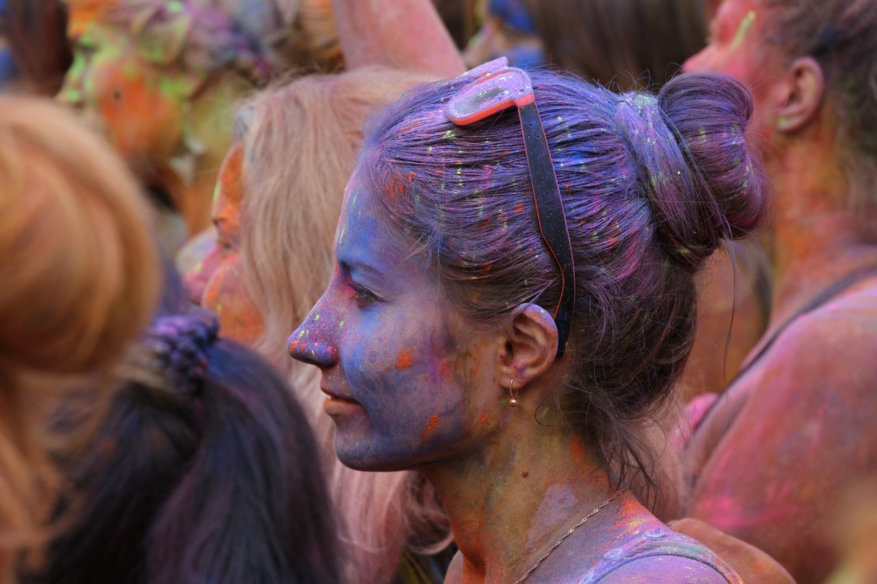 Bright summer: The festival of colours Holi in the capital of Ukraine - 06