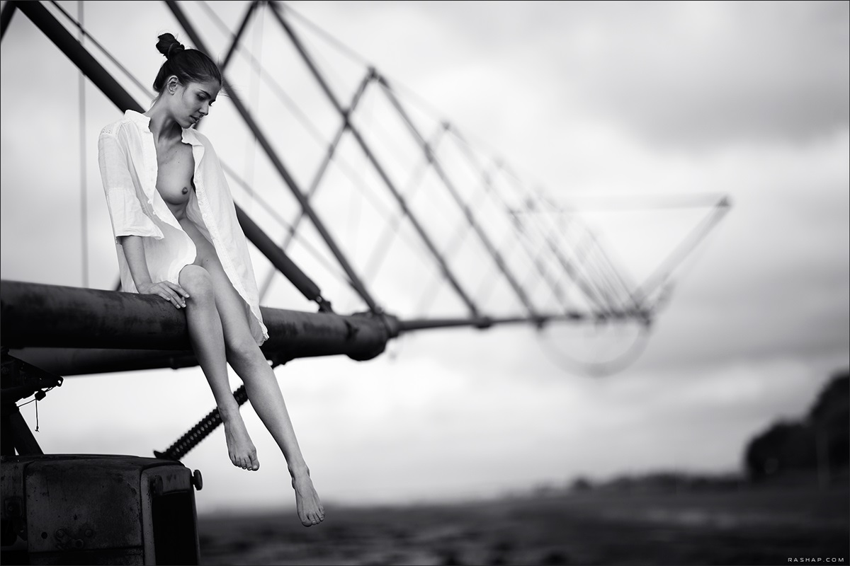 Charming black & white pictures by a photographer Ilya Rashap - 33