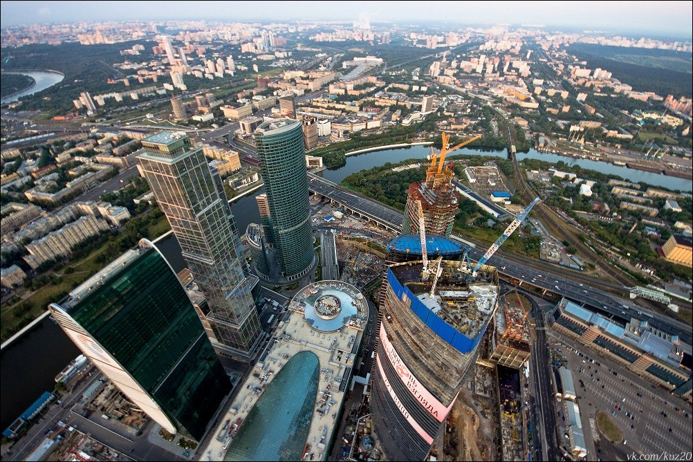 Extreme height: Crazy cityscapes by a thrill-seeker Ivan Kuznetsov - 02