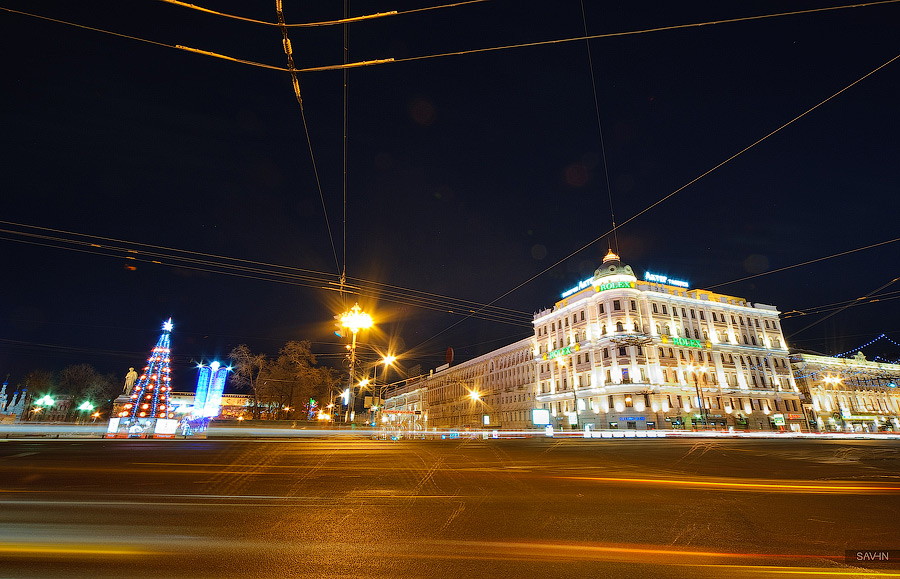 Night Moscow: Brilliant lights of the winter capital city of Russia - 11