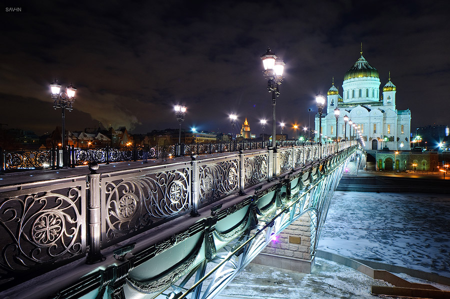 Night Moscow: Brilliant lights of the winter capital city of Russia - 43