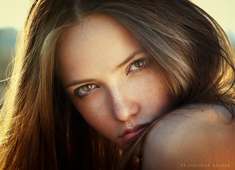 Catchy gaze: Expressive portraits of girls by Stanislav Puchkovsky - 22