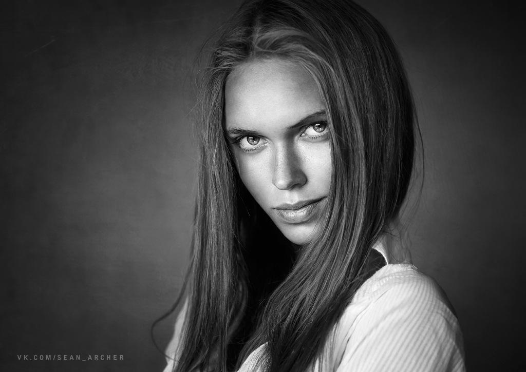 Catchy gaze: Expressive portraits of girls by Stanislav Puchkovsky - 31