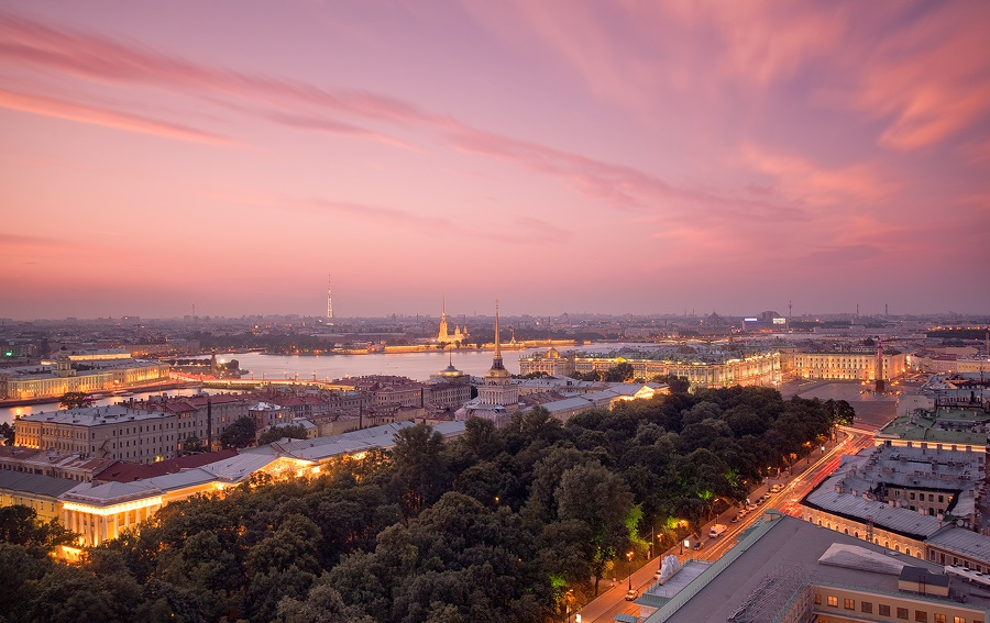 Night Saint Petersburg: Amazing photos of the city by Sergey Louks - 15